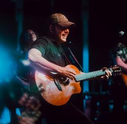 Rodney Atkins Live at Niko's Red Mill Tavern - Woodstock