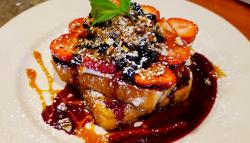 Annie's Pancake House in Skokie, famous stuffed french toast