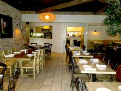 Plateia Mediterranean Kitchen & Bar in Glenview