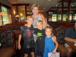 Family enjoying breakfast at Buffalo Restaurant in Buffalo Grove