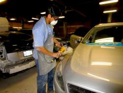 Skilled staff at Wreck and Roll Auto Body in Chicago