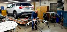Skilled technician at Athenian Body Shop in Chicago Ridge