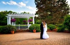Beautiful outdoor wedding garden at Concorde Banquets in Kildeer