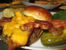 Hearty cheeseburger at Eggs Inc. Chicago (Streeterville)