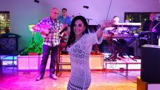 Enjoy the music of vocalist Evgenia on Ellas TV Greek Television