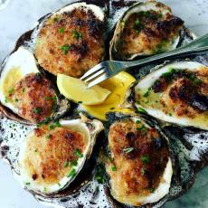 Baked Oysters at Ki's Steak & Seafood in Glendale Heights