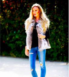 Warm and stylish Lynx Jacket at Pavlis Furs in Arlington Heights